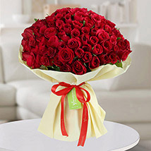 Premium Bouquet of 150 Red Roses: Gift Ideas For Mom