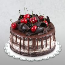 Delicate Black Forest Cake: Cake Delivery in Doha